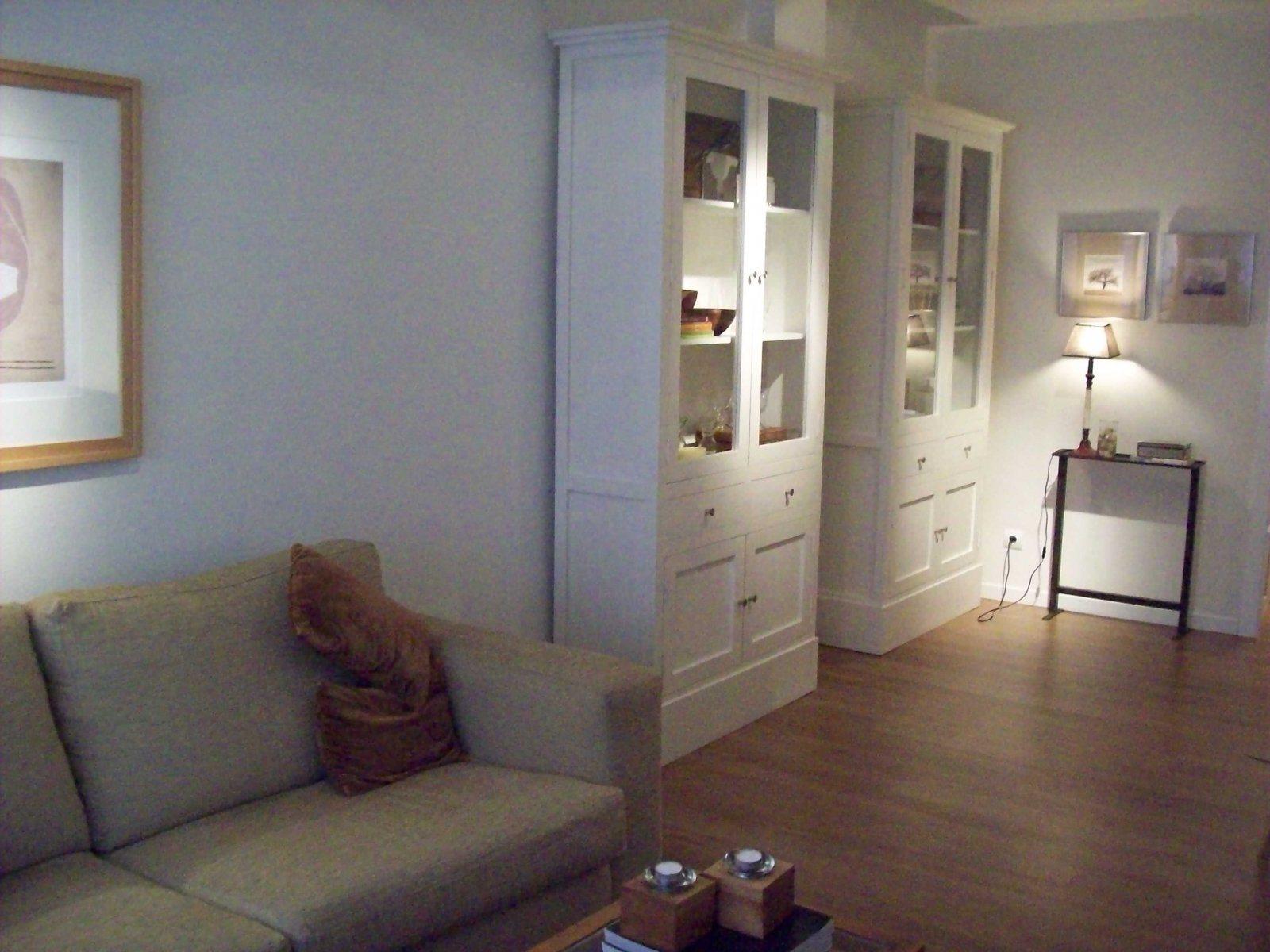 Imagens de um projeto de decora o numa sala de estar o - Decoracion puertas blancas ...