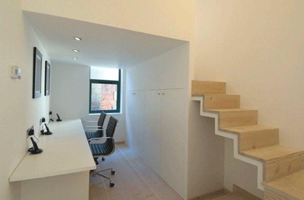 Antigo armaz m de londres convertido num apartamento for Apartamentos minimalistas