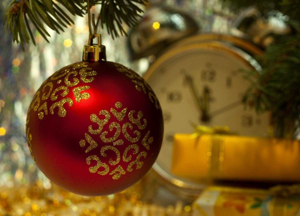 decoracao de arvore de natal tradicional:Holiday Screensavers and Desktops