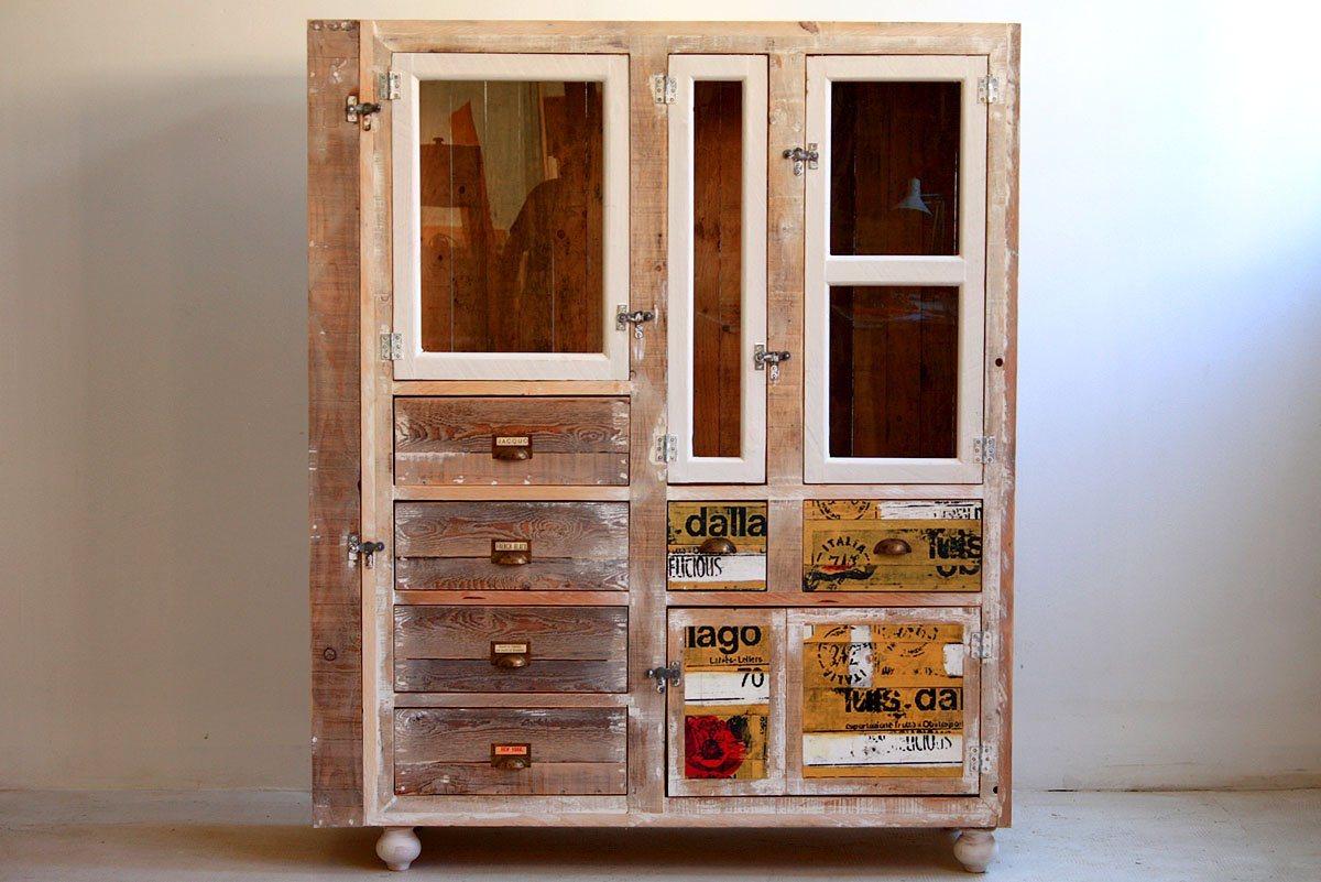 Móveis reciclados da Segnomaterico. Decoração da casa. #36160A 1200x801