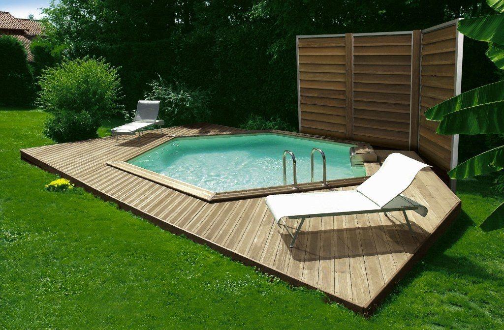 Casas com piscinas hexagonais de madeira decora o da casa - Decoracion para piscinas ...