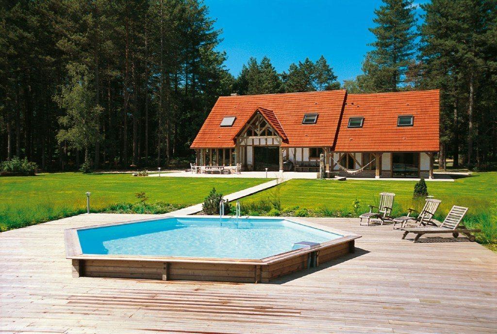Casas com piscinas hexagonais de madeira decora o da casa for Piscinas interiores pequenas