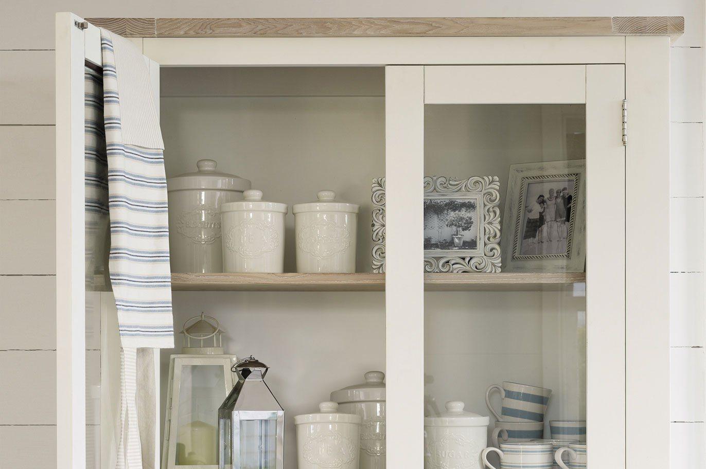 vitrina estilo ingles Móveis para uma cozinha de estilo inglês